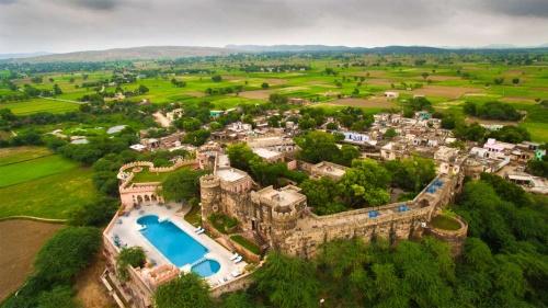 Enjoy a Lovely Stay at the Hill-fort Hotel Kesroli