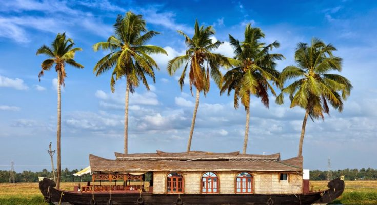 Best Tourist Places to Visit in Kerala
