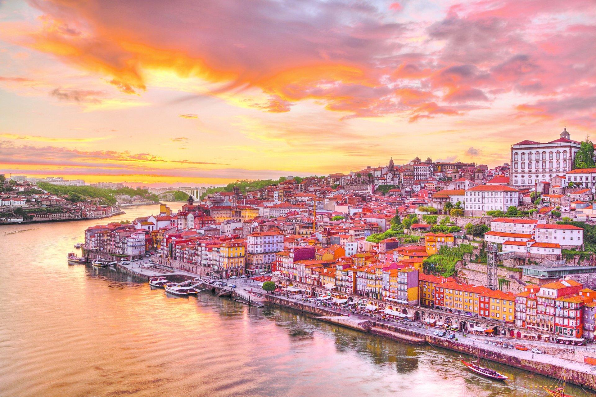 best destinations to visit portugal stunning places must visit portugal. Black Bedroom Furniture Sets. Home Design Ideas